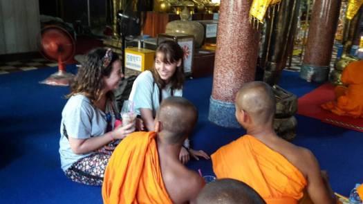 Mientras charlábamos con los monjes, uno de ellos nos pidió el móvil e hizo todo un reportaje, ¿un incipiente fotoperiodista? 😉