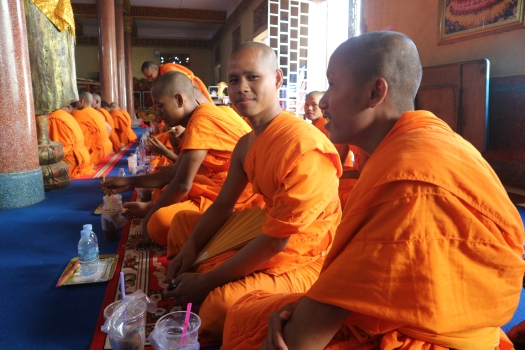 Monjes de la Pagoda Wat Ounalom. Phnom Penh. Marisa López