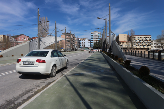 The Mitrovica bridge still in construction. Perspective from the South part of the city. Photo: Marisa López